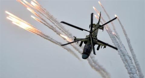 Ka-52M tung don xa tram km, danh trung diem yeu xe tang