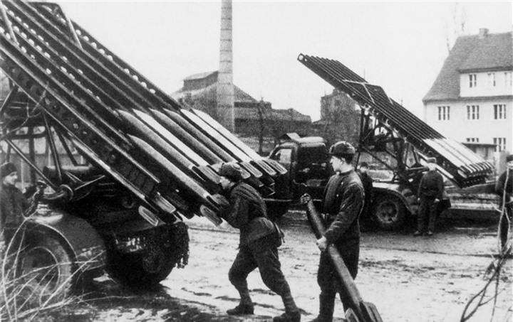 Lần đầu ra trận đã thắng lớn, Katyusha đã khiến quân Đức khiếp sợ như thế nào? - 2