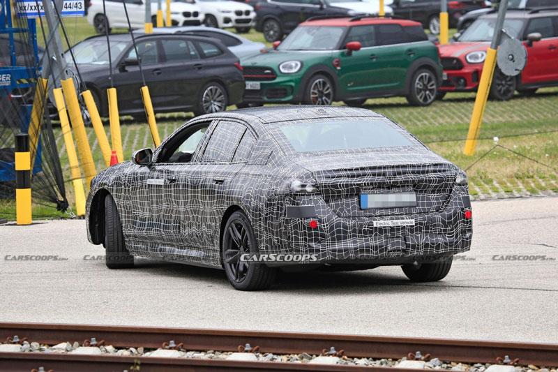 Hé lộ hình ảnh xe điện hoàn toàn mới của BMW