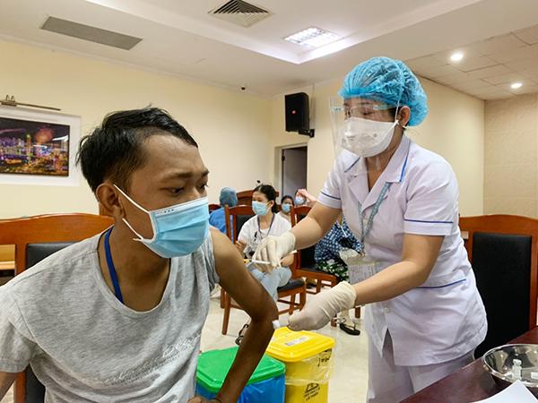 Đà Nẵng: Thông tin chi tiết các nhóm đối tượng tiêm 33.600 liều vaccine Moderna