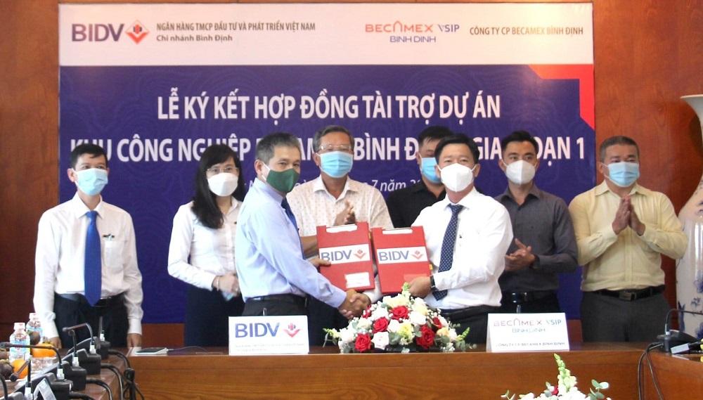 lễ ký kết hợp đồng tài trợ để thực hiện dự án Khu công nghiệp (KCN) Becamex Bình Định (giai đoạn 1)