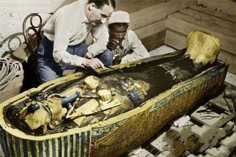 Kể từ khi quan tài của vị vua Ai Cập cổ đại được mở ra, thành viên đoàn khảo cổ lần lượt chết kỳ quái: Ám lời nguyền? - Ảnh 1.