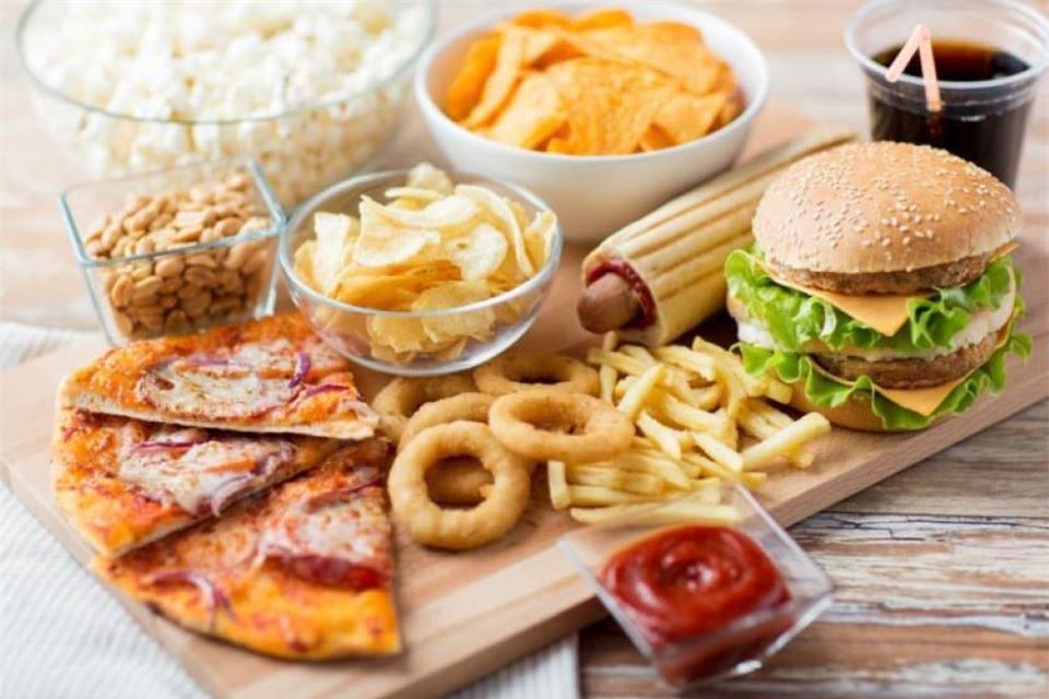 Nguy cơ tiềm ẩn khi thường xuyên sử dụng thực phẩm siêu chế biến