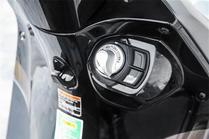 Giá xăng tăng vọt, xe tay ga Janus tiết kiệm xăng đến mức nào? - 5