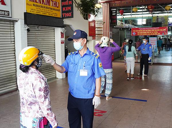 Chủ tịch UBND TP Đà Nẵng giao UBND các quận, huyện tập trung nguồn lực triển khai các biện pháp phòng, chống dịch COVID-19 tại các chợ