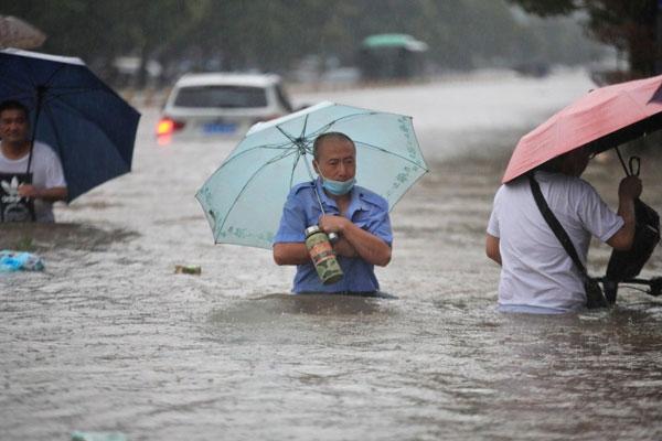 Tỉnh Hà Nam, Trung Quốc vừa trải qua đợt mưa lũ tồi tệ nhất trong lịch sử. Ảnh: Reuters