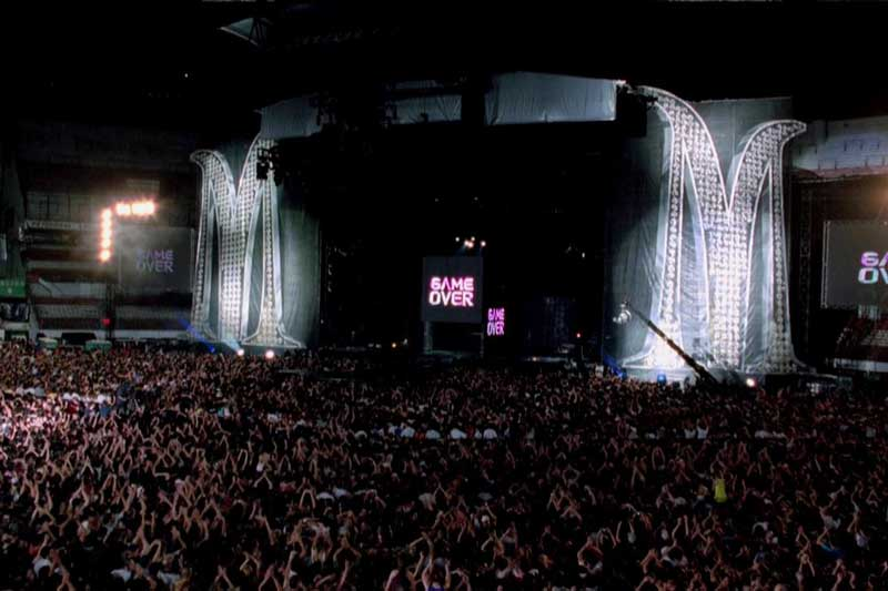 10. Sticky & Sweet Tour (Madonna) - Doanh thu: 397.300.000 USD.