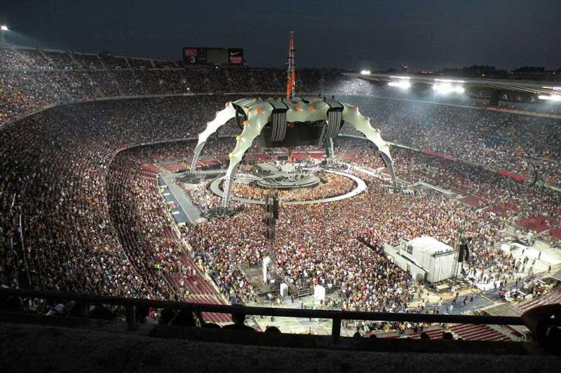 2. U2 360° Tour (U2) - Doanh thu: 736.421.584 USD.