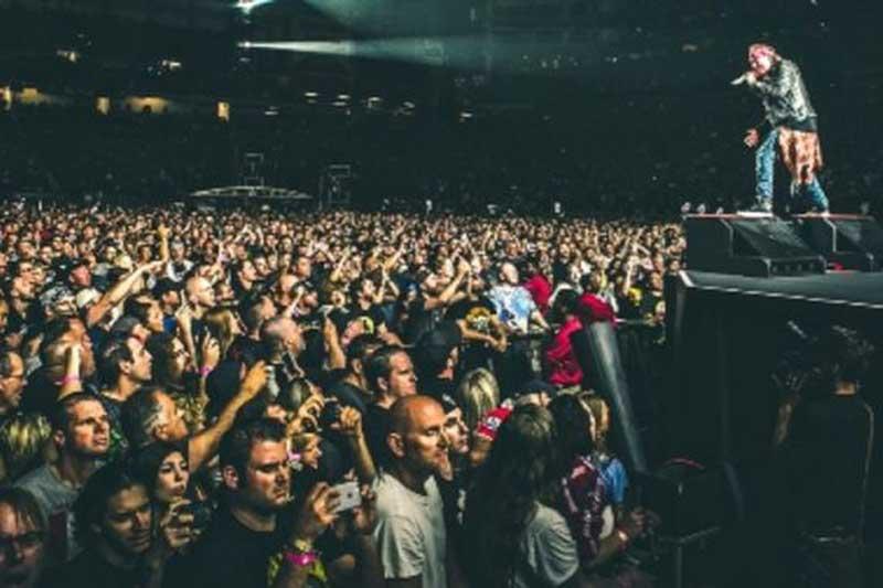 3. Not in This Lifetime... Tour (Guns N 'Roses) - Doanh thu: 584.200.000 USD.