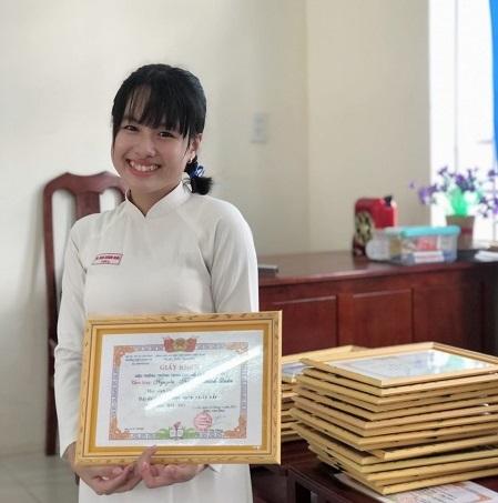 Nữ thủ khoa TP Cần Thơ chia sẻ kinh nghiệm học hiệu quả