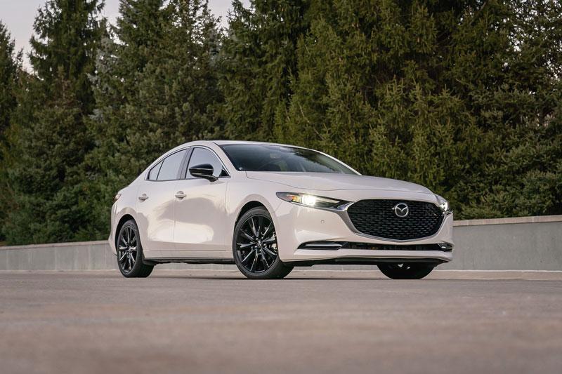 Top 10 xe sedan AWD tốt nhất năm 2021: Mazda3 góp mặt