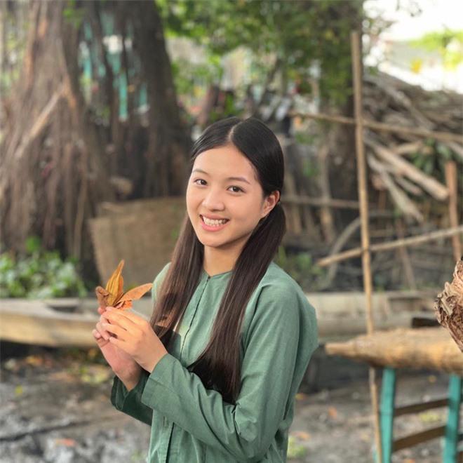 Chân dung nữ diễn viên bị khán giả đòi thay vai trong Hương vị tình thân - Ảnh 10.