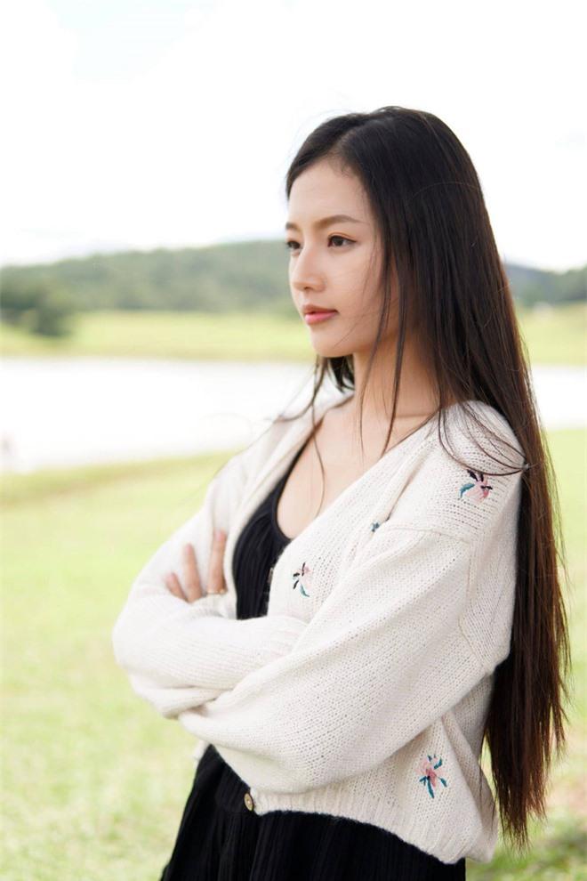 Chân dung nữ diễn viên bị khán giả đòi thay vai trong Hương vị tình thân - Ảnh 11.