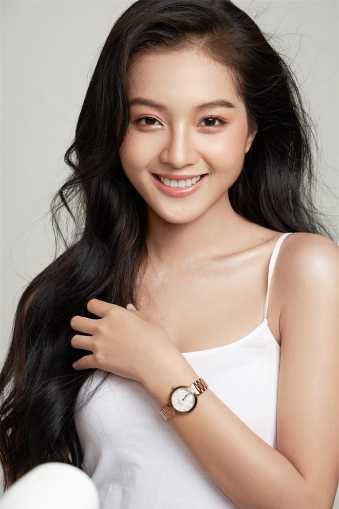 Chân dung nữ diễn viên bị khán giả đòi thay vai trong Hương vị tình thân - Ảnh 9.