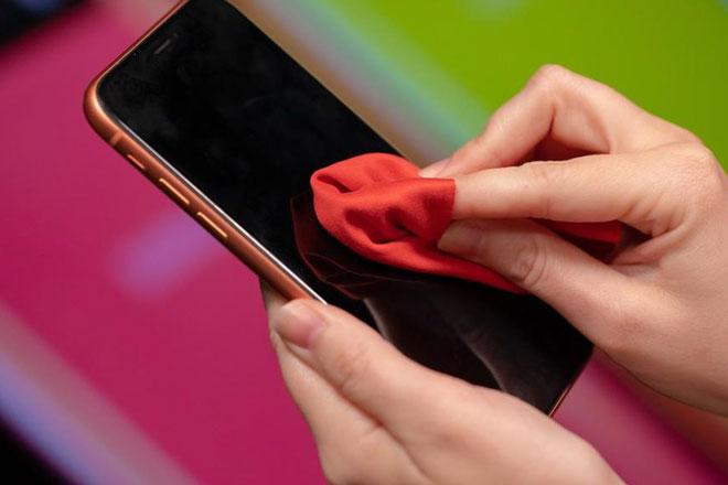 Những điều cần tránh khi lau chùi các mẫu iPhone