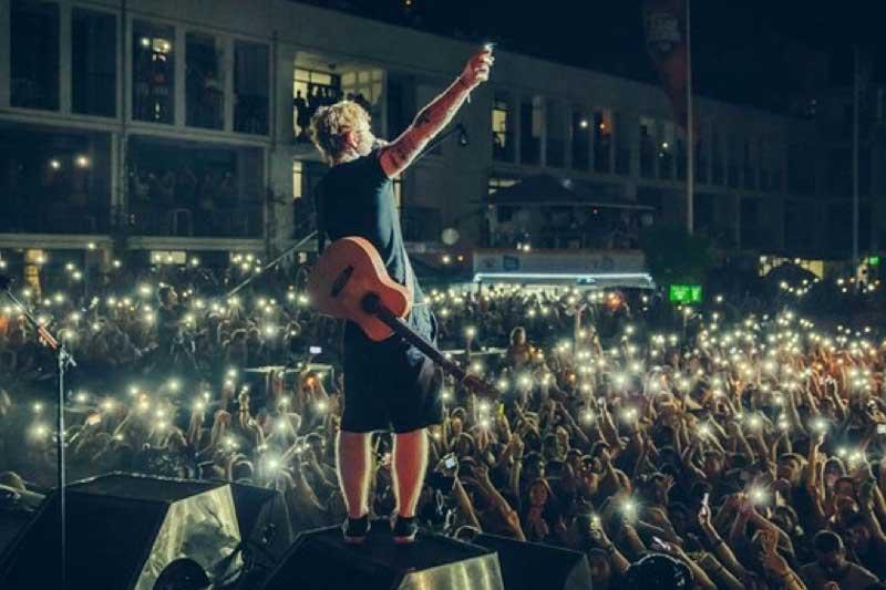 1. ÷ Tour (Ed Sheeran) - Doanh thu: 776.200.000 USD.