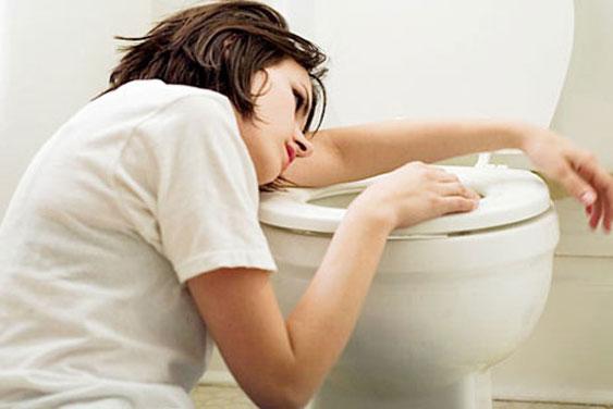 Nước tiểu có bọt dấu hiệu của nhiều bệnh