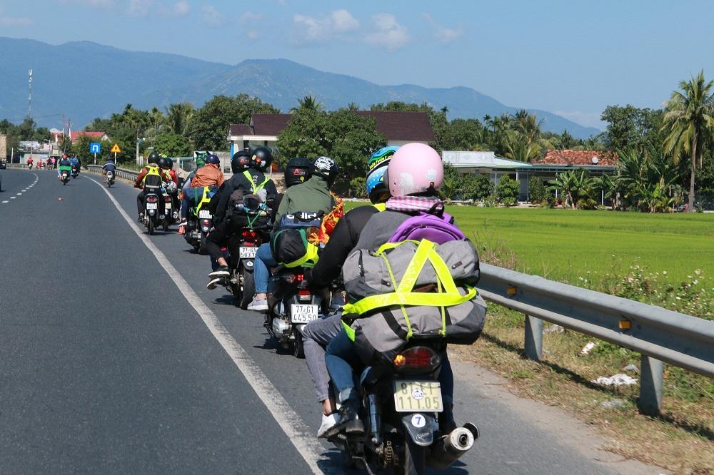 Khoảng 1 tuần trở lại đây, lượng người từ TP Hồ Chí Minh và các tỉnh phía Nam tự đi phương tiện cá nhân trở về quê rất nhiều.