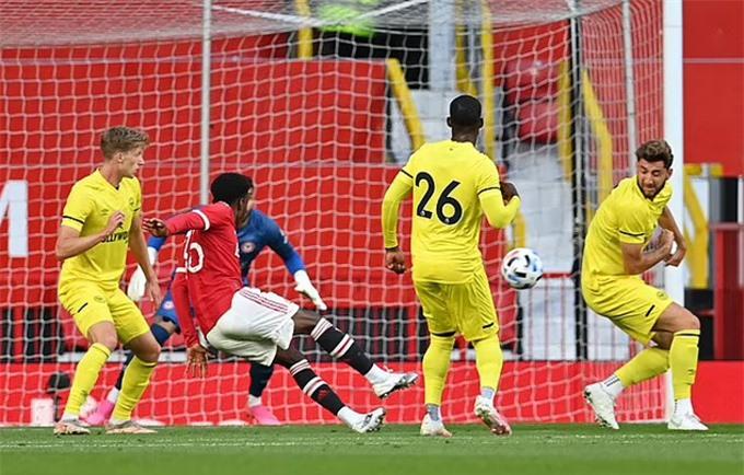 Bàn thắng đẹp mắt của Elanga vào lưới Brentford