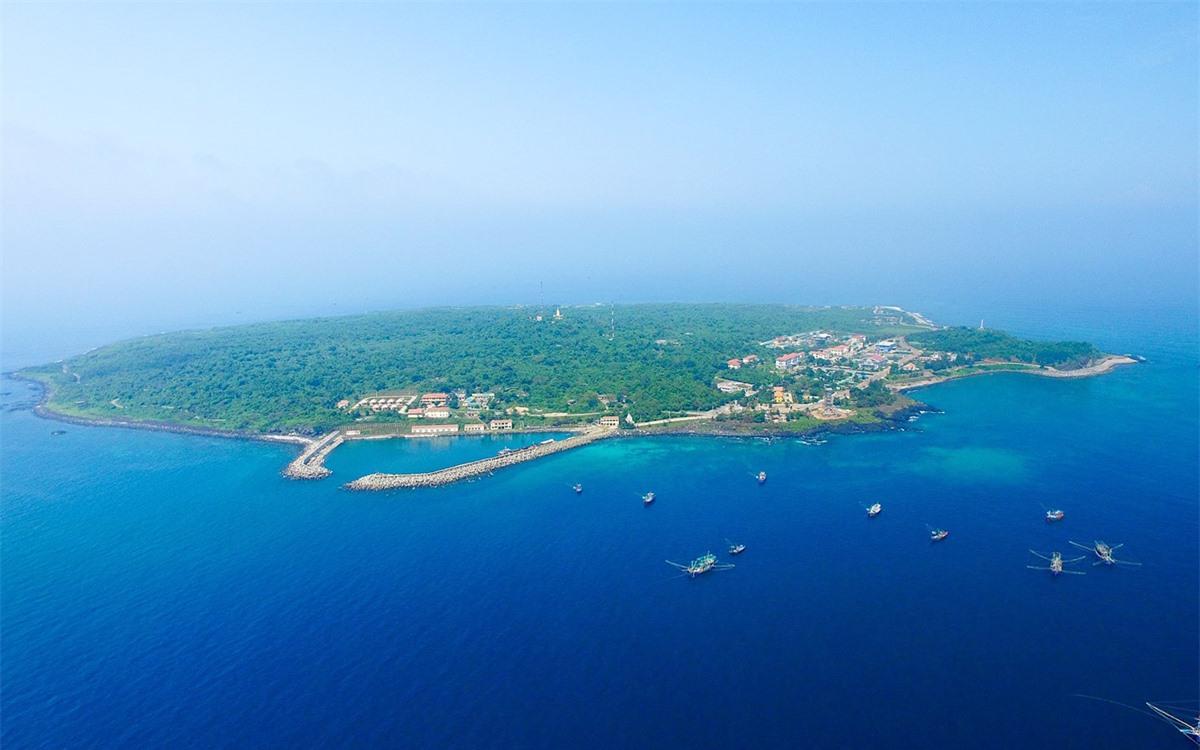 Cồn Cỏ - đảo nhỏ thanh bình giữa biển Đông   -0