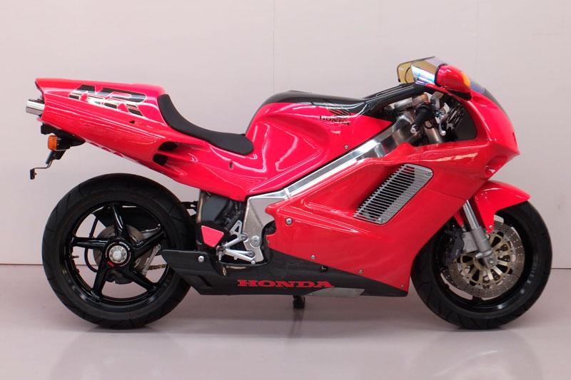 1. Honda NR750.