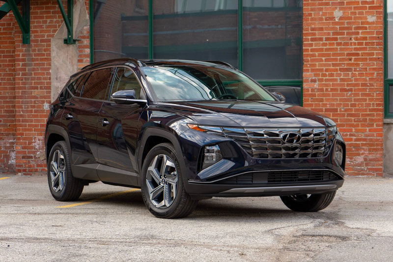 1. Hyundai Tucson 2022 (giá khởi điểm: 26.350 USD, điểm tổng thể: 9/10).