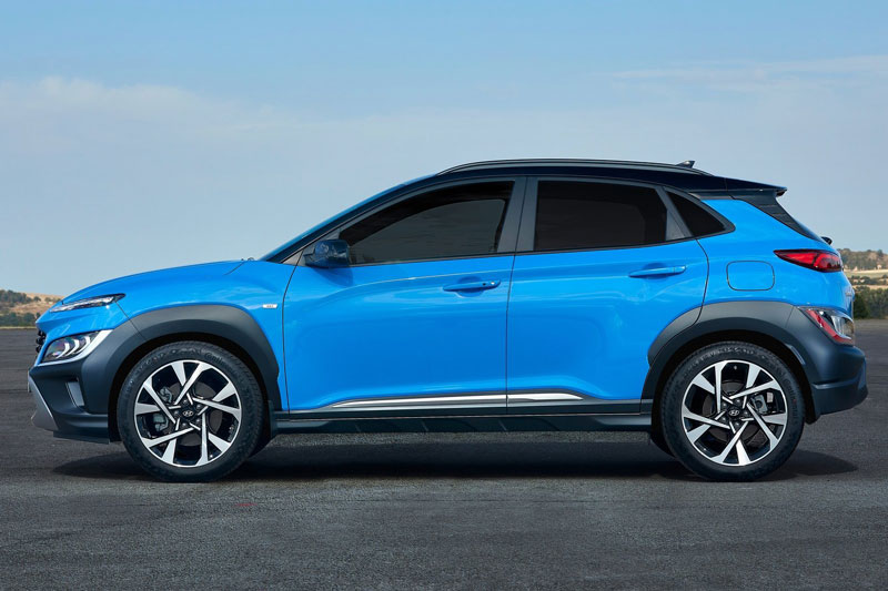 6. Hyundai Kona 2021 (giá khởi điểm: 21.900 USD, điểm tổng thể: 8,4/10).