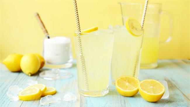7 lợi ích của việc uống nước chanh mỗi ngày và một số lưu ý về sức khỏe - Ảnh 1.