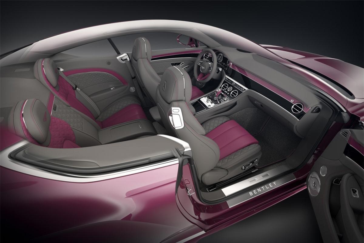 Với Bentayga, bạn có thể lái một chiếc Bentley đi đến bất kỳ đâu, dù cho đường có xấu đến thế nào đi chăng nữa. Cuối cùng, mẫu xe đầu bảng Flying Spur là đỉnh cao của sự sang trọng và không chỉ thế, những công nghệ trên xe sẽ mang đến cho bạn những chuyến hành trình hoàn hảo nhất./.