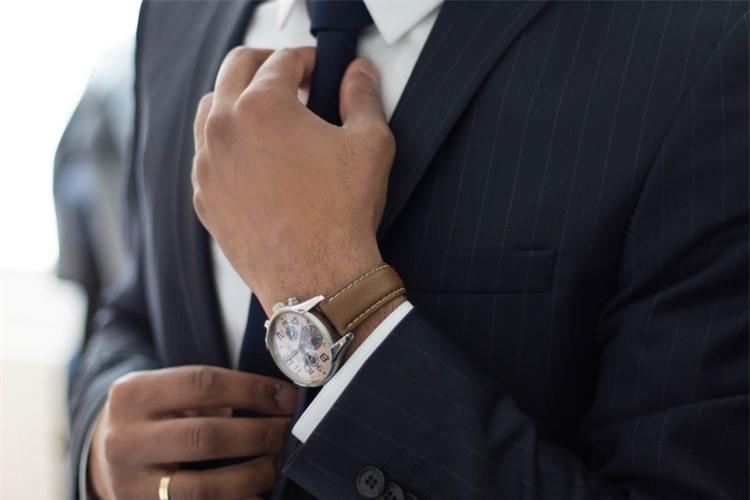 Nghiên cứu tâm lý học kết luận: Có sở thích đeo đồng hồ là người không tầm thường, tại sao?  - Ảnh 2.