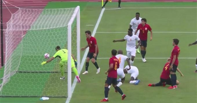 Bailly bất ngờ mở tỷ số trận U23 Tây Ban Nha vs U23 Bờ Biển Ngà ở phút thứ 10
