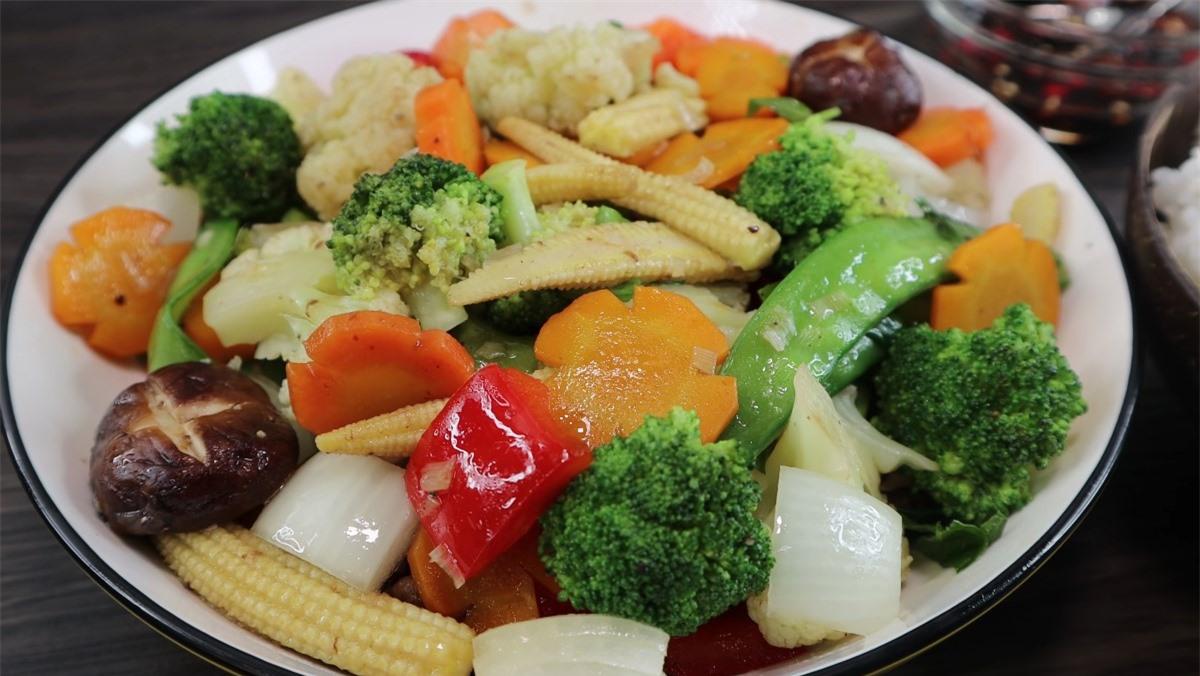 Thực đơn cơm chiều: 3 món thích hợp cho ngày nóng