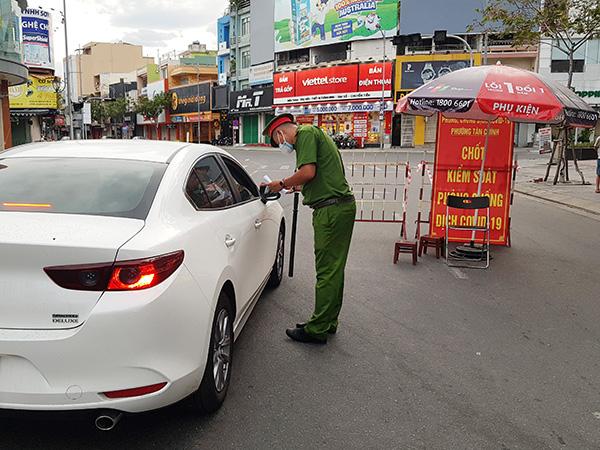 Đà Nẵng: UBND các phường, xã chịu trách nhiệm cấp giấy đi đường cho người dân