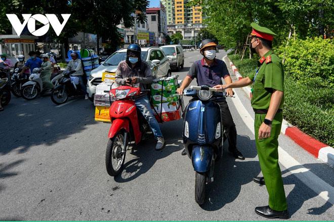 Hà Nội: Người dân không được di chuyển ra ngoài địa bàn trong thời gian giãn cách