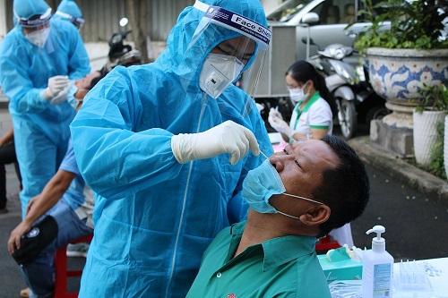 Bình Định: Tiêm đủ 2 mũi vaccine, nhiều nhân viên y tế vẫn nhiễm COVID-19