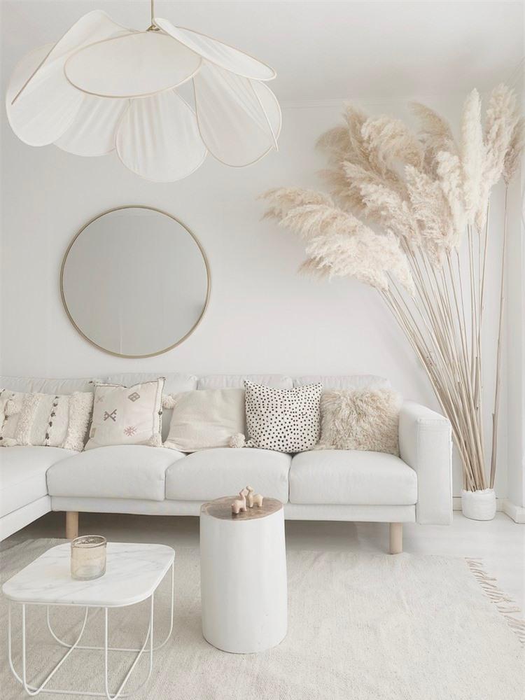 Kê ghế sofa trong phòng khách phải nhớ kỹ 5 điểm này để tránh cản bước thần tài, vận may đi mất - Ảnh 1.