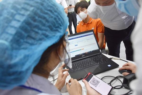 Thứ trưởng Nguyễn Huy Dũng: Không thể thiếu công nghệ nếu chúng ta muốn chống dịch hiệu quả