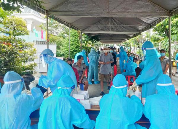 Đà Nẵng: Ghi nhận 6 ca dương tính SARS-CoV-2 trong cộng đồng, 2 ca là sinh viên tình nguyện