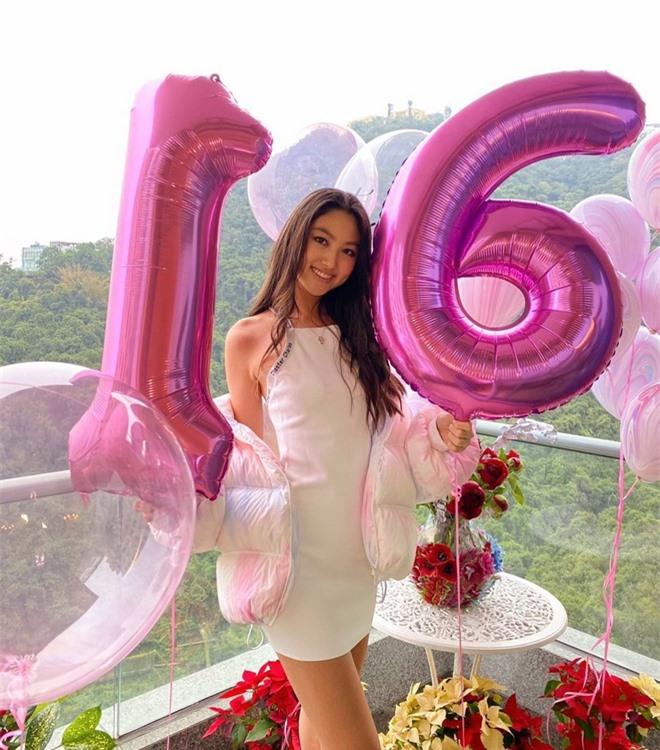 Con gái ông trùm showbiz Hong Kong: Đẹp ấn tượng, 17 tuổi cao 1,8m, chân dài miên man - Ảnh 6.