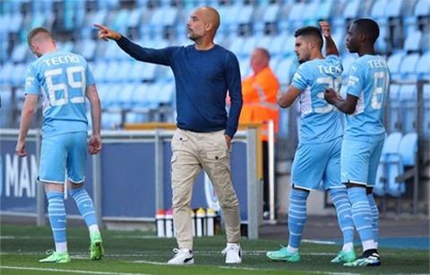 Guardiola lo ngại Man City không cạnh tranh được chức vô địch
