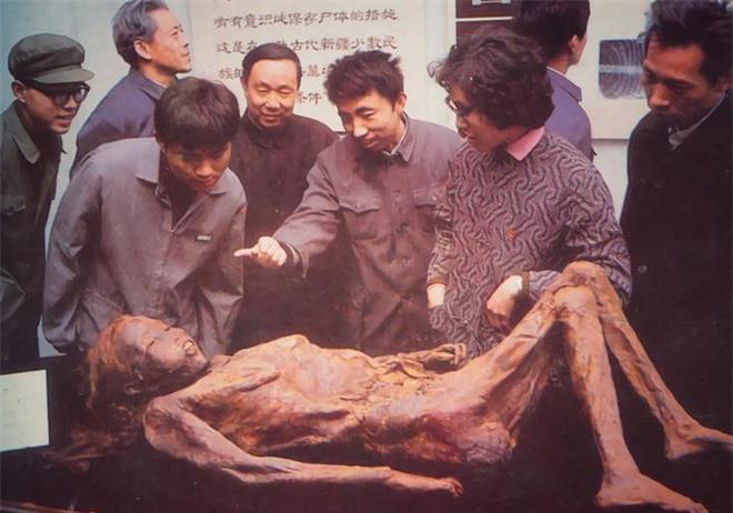 Vụ án đạo mộ chấn động: Xác chết cổ nhất Trung Quốc bị ném xuống mương, hung thủ bại lộ vì bức thư nặc danh! - Ảnh 5.