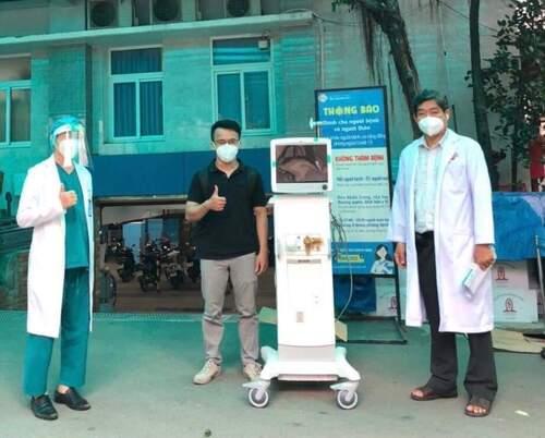 Quỹ Hiểu về trái tim trao tặng thiết bị y tế cho TP Hồ Chí Minh chống dịch