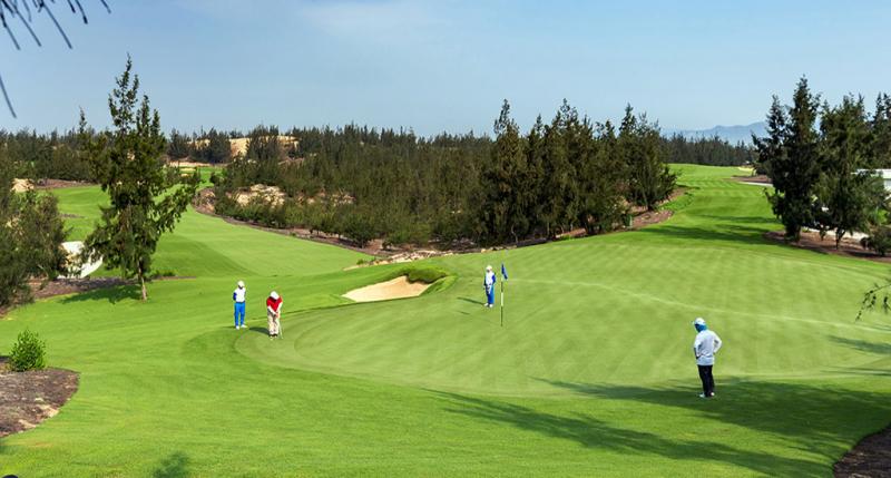 Sân golf FLC Nhơn Lý (TP Quy Nhơn), nơi các lảnh đạo sở, ngành tỉnh Bình Định đến chơi golf trong mùa dịch.