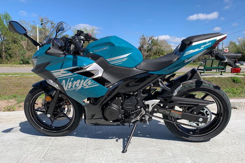 2. Kawasaki Ninja 400.