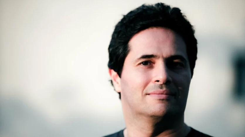 Bruno Guez, Giám đốc điều hành và Người sáng lập của Revelator, một tài sản kỹ thuật số và nền tảng phân phối dựa trên blockchain cho IP sáng tạo. Ở đây, Guez phác thảo những gì cần thiết để phân cấp hoàn toàn âm nhạc.