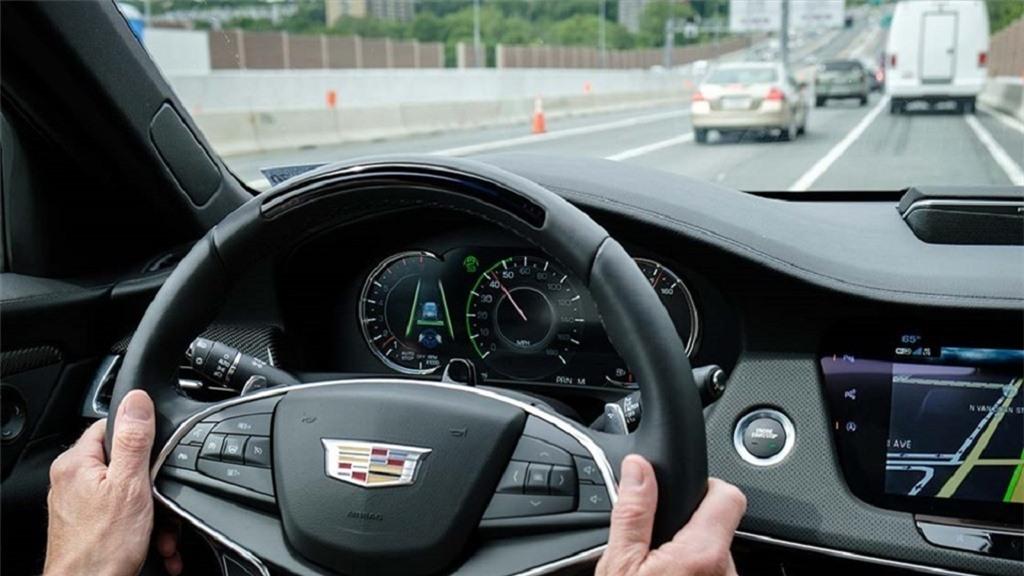 lái xe giảm tốc độ