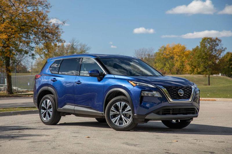 2. Nissan Rogue 2021 (giá khởi điểm: 25.750 USD).