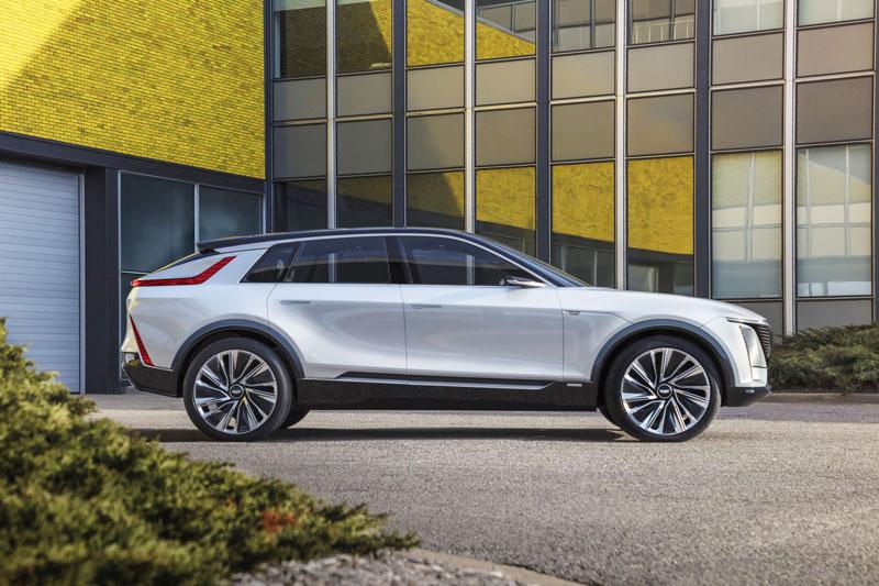 SUV chạy điện mạnh 340 mã lực, phạm vi hoạt động 483 km, giá hơn 1,3 tỷ đồng