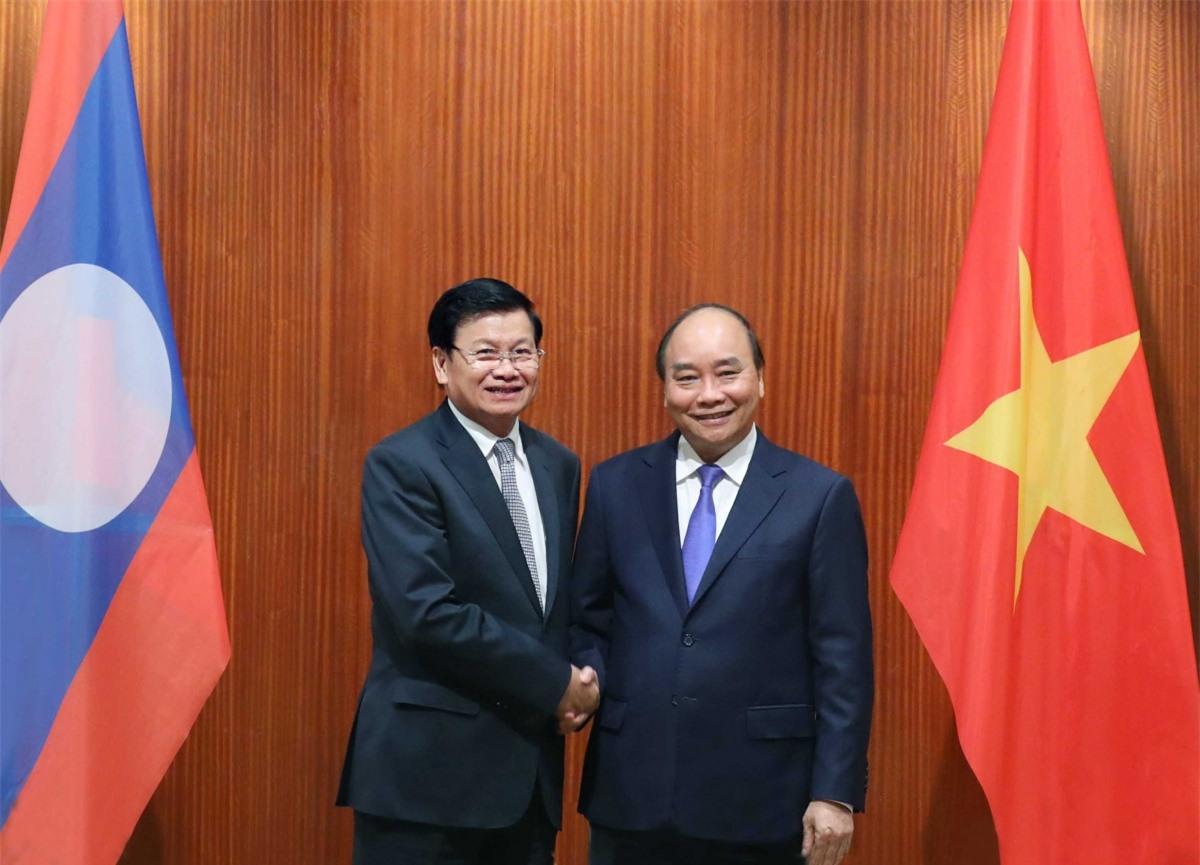 Chủ tịch nước Nguyễn Xuân Phúc vàTổng Bí thư, Chủ tịch nước Lào Thongloun Sisoulith
