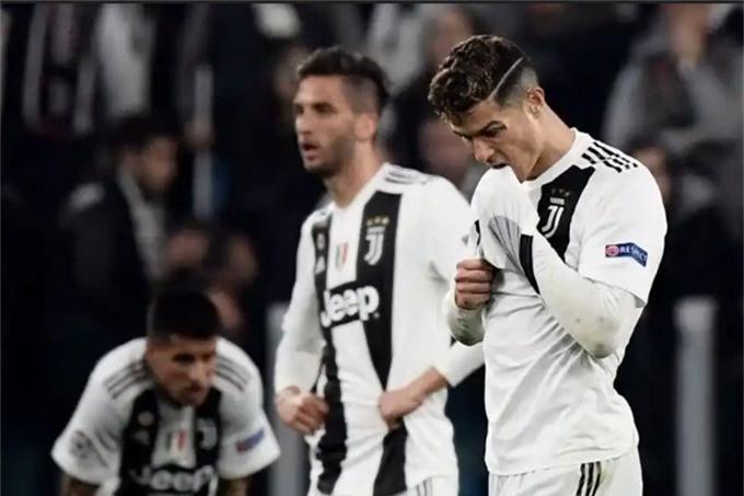 Juventus sẽ khó có thể cạnh tranh chức vô địch mùa tới nếu vẫn thi đấu như đêm qua
